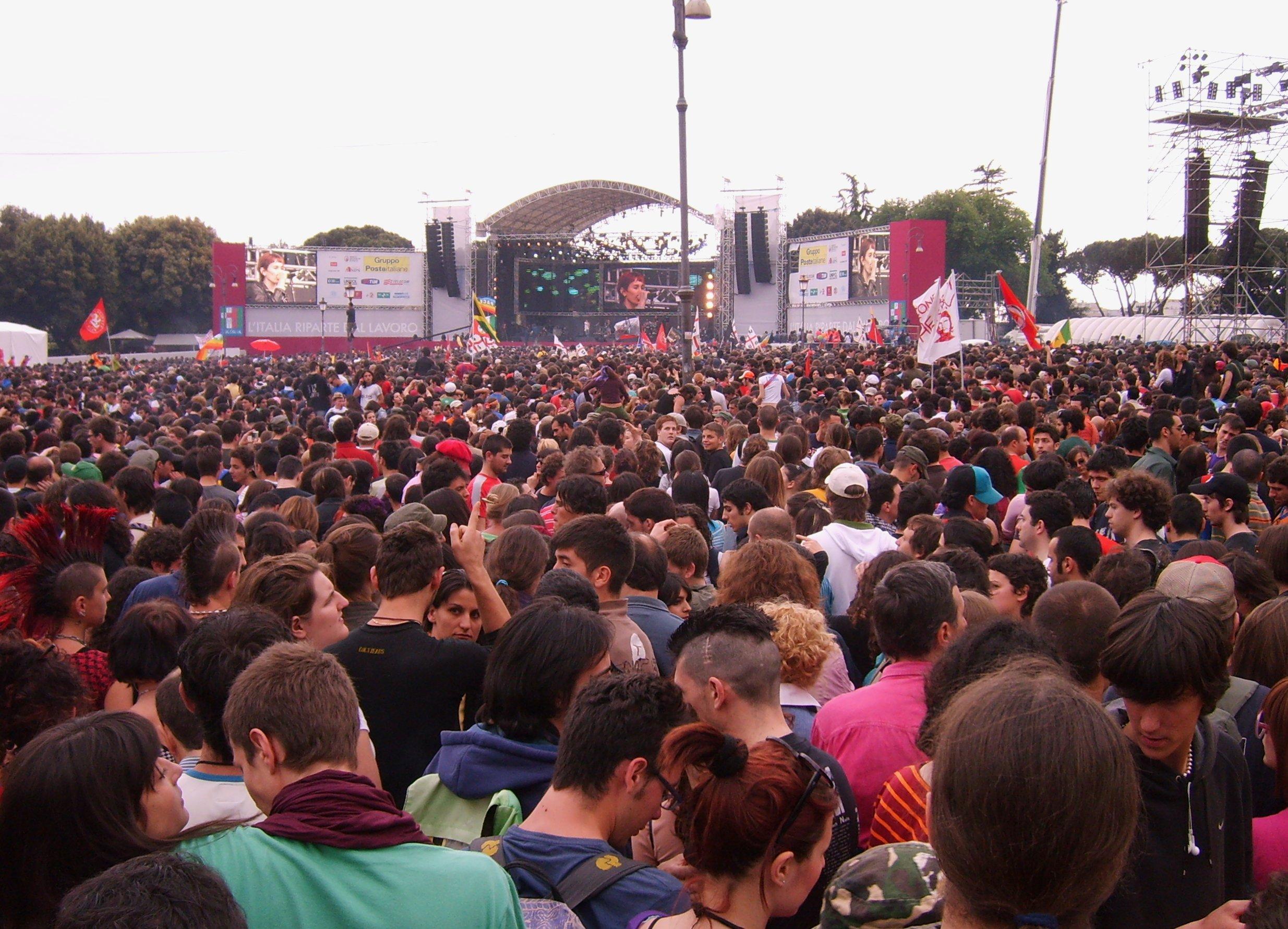 Rome_concert_1-5-2007_crowd